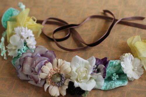 布花の首飾り